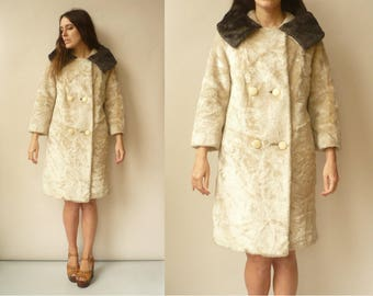 1950's 1960's Vintage Faux Fur Princess Swing Coat With Furry Collar Size XS