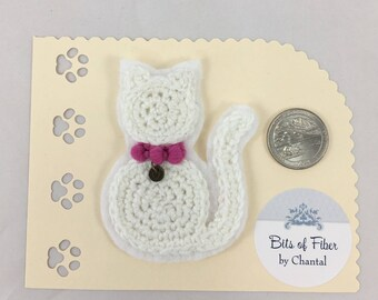 Cat or kitten applique or brooch, crocheted cat applique