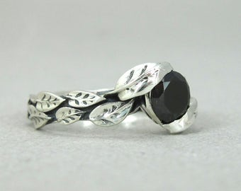 Silver Leaf Ring With Black Gemstone, Black Leaf Ring, Leaves Ring, Friendship Silver Forest Ring, Natural Floral with Black stone Ring