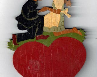 Vintage Hellerkunst German Hand Painted Wood Plaque of Family on Heart, 1920-30s