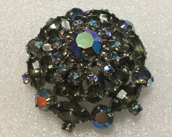 Multi color round rhinestone brooch irredescent colors VJSE