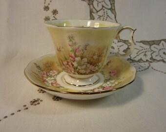 VTG 1985 Royal Albert Royal Doulton Bone China Tea Cup Shakespeares Flowers