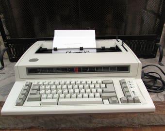1990 IBM Personal Wheelwriter 6781 electric typewriter by Lexmark