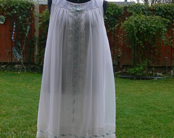 shadow line  white chiffon  Vintage short Nightgown size small