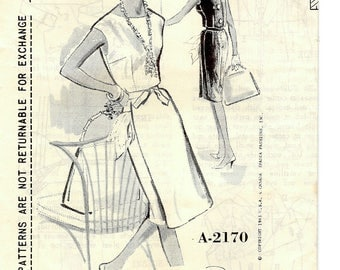 Chic Vintage 1960s Spadea A-2170 Designer Shannon Rodgers for Jerry Silverman Slim Sleeveless Back Button Dress Sewing Pattern B35 Tall Size
