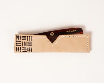 Comb with Line Patterned Natural Leather Case | UNIFORM