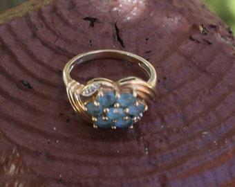 Vintage Gold Ring Blue Stones