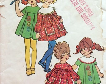 1970s Toddler Yoked Dress with Inverted Pleats and Detachable Collar- Vintage Simplicity Sewing Pattern  9532- Size 4