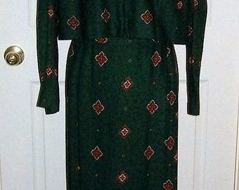 Vintage 80s Ladies Green Paisley 2 Piece Dress by Karin Stevens  Size 12 Only 8 USD