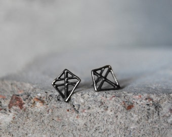PIEN RUUTI Earrings Sterling silver Oxidized dark, hand carved cast with recycled silver