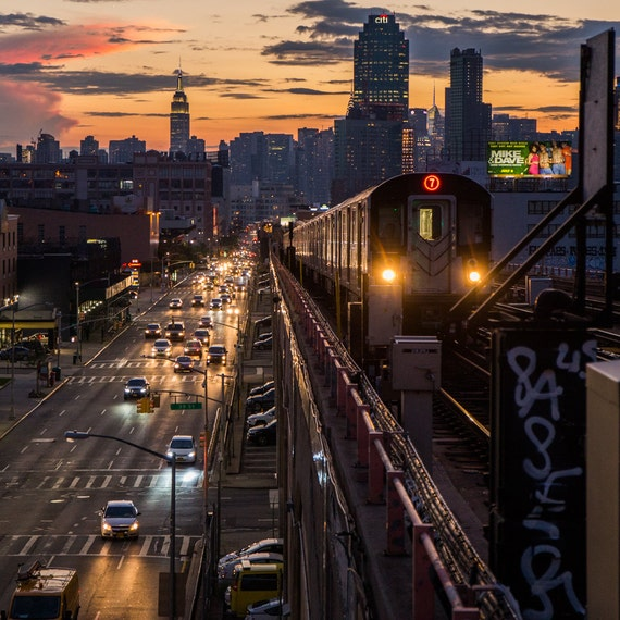Homepolish Brooklyn Apartment Design With Cool Wallpaper: New York Skyline From Queens 7 Train Subway MTA At Sunset