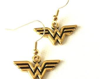 Wonder Woman Earrings, Wonder Woman Logo, Superhero earrings, Superhero Jewelry, Diana Prince Jewelry, Comic Book Fan, Justice League