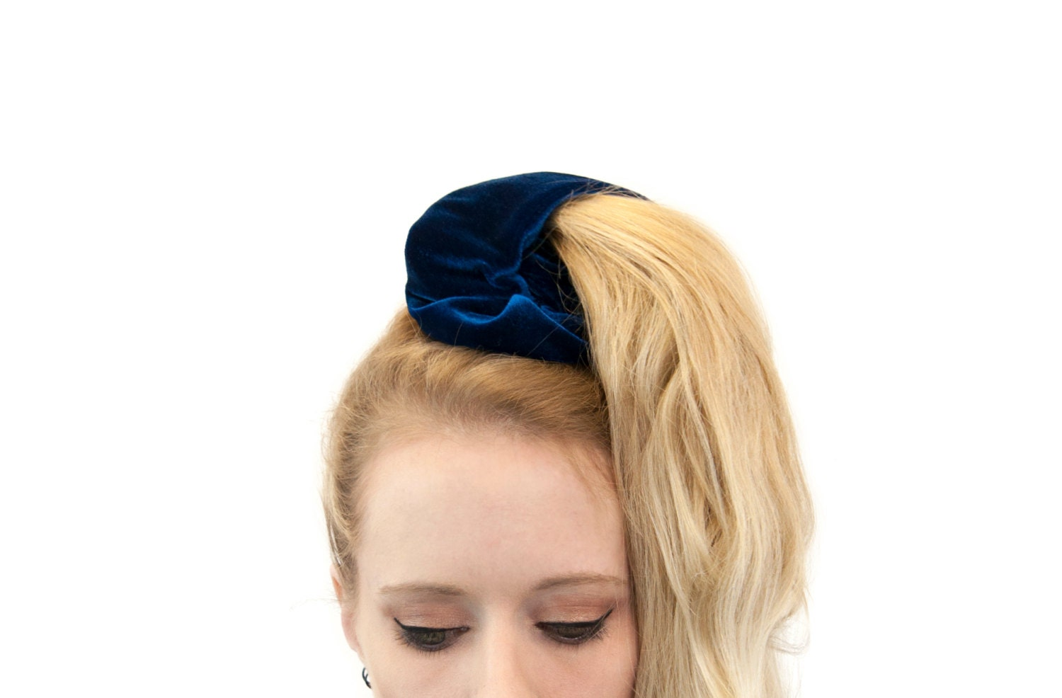 Scrunchie Hair Styles: Pony Tail Holder Velvet Scrunchie Velvet Scrunchies Royal
