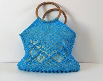 Vintage blue plastic rope market bag, wood handle bag, vintage crochet bag