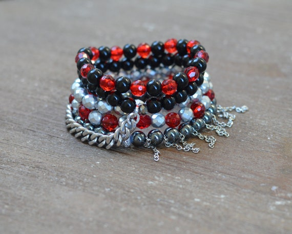Red and Black Bracelet Stack - UGA Bracelet - Beaded Stretch Bracelet Stack - Layered Bead Bracelet - Game Day Jewelry