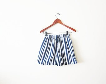 Vintage Shorts / Striped High Waist Shorts / Woman Shorts / Elastic Waist / Nautical / Preppy / XS S