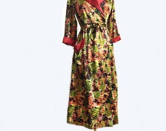 """Vintage 50s floral robe/ """"Monet's Garden"""" brilliantine house robe/ luxurious bedroom housecoat/ abstract botanical bridal robe"""