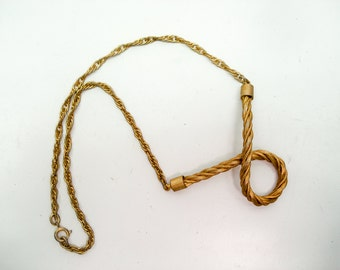 Elegant gold rope necklace