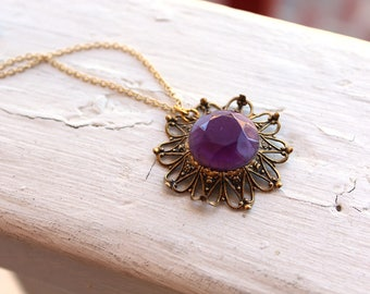 Vintage Filigree Purple Rhinestone Necklace // Flower Necklace // N106
