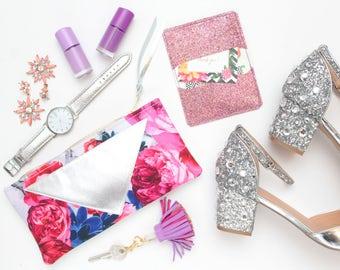 Flower makeup bag. Cotton zipper pouch. Cosmetic pouch. Makeup organizer. Pencil pouch. Travel pouch. Metallic natural leather. /FLARE 136