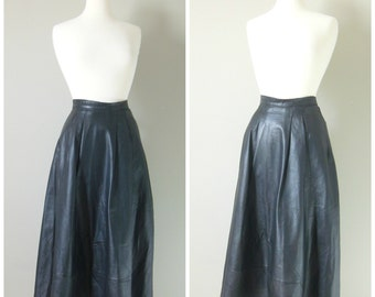 Vintage BLACK LEATHER PLEATED Midi Skirt/size Medium