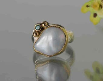 Large White Baroque Pearl Ring, Natural Pearl Ring in 18k Gold and Silver, June Birthstone Ring, Pearl Cocktail Ring,Size 8 Ring