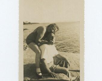 Vintage Snapshot Photo: Couple, Lake Champlain, VT 1949 (611523)