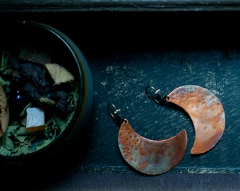 Crescent moon earrings, hammered copper, flame oxidised, large crescent earrings, rainbow patina.