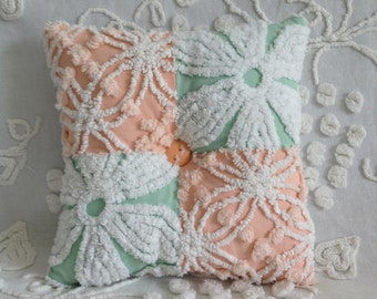 Pillow Vintage Chenille Hofmann mint green daisy and peach Cabin Crafts wedding ring..12 x 12""