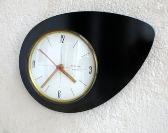 Quintessential 1950s Atomic Age Vintage French VEDETTE Wall Clock - Iconic Boomerang Shape - Perfect Working Condition - Mid Century Diamond
