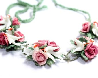 Handmade Red Roses & White Birds Crocheted Green Necklace/Head Dress/Hair Band (c1930s) - Wedding