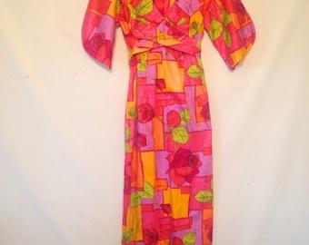 1970s floral dress Hawaiian dress VTG pink and orange dress tropical dress resort wear dress small dress 1970s 70s dress Pelelani dress
