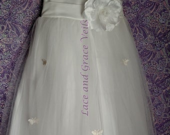 Communion Dress Size 6  with Choice of Handmade Veil (13)