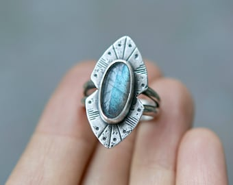 Silver Labradorite Ring - Blue Stone Southwestern Ring - Statement Ring Silver Labradorite - Boho Jewelry - Rogue River Ring - Blue Gemstone
