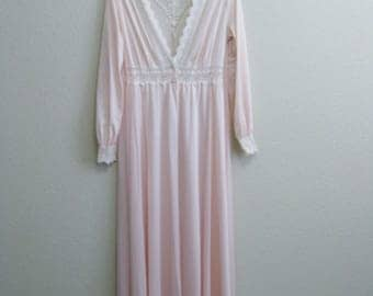 Olga Pale Pink Lace Robe Small 34 Nylon