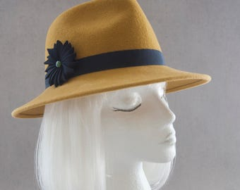 Mustard Yellow Fedora. Women's Hat w/ Navy Blue Ribbon Cockade. Wide Brim Velour Fur Felt. Ladies Millinery. Street Style Spring Accessory.
