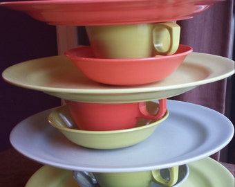Vintage Mallo-Ware dishes 4 settings melamine, melmac, mcm mix of gray coral chartreuse