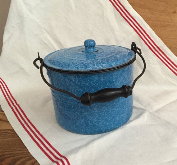 Vintage Blue White Graniteware Berry Bucket Pail With Lid