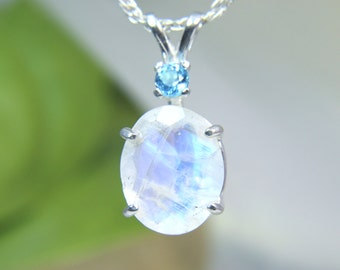MOONSTONE - Natural Faceted Rainbow Moonstone Sterling Necklace with Swiss Blue Topaz Accent! - FREE SHIPPING!