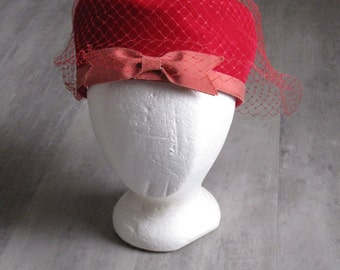 Vintage Women's Red Velvet Pill Box Hat
