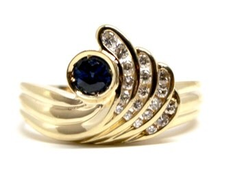 Ceylon Sapphire Diamond yellow gold ring vintage style retro
