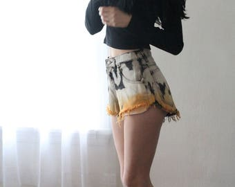 Vintage Highwaisted Orange Black White Dip Dye Ombre Shorts.