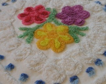 """Vintage Chenille Bedspread Fabric 3 Flowers w/White Loops and Blue Pops 16""""x 17""""...GJ1"""