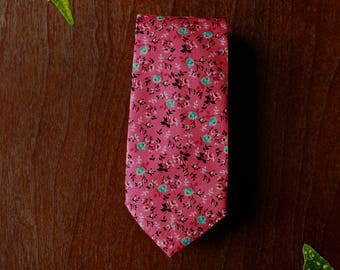 Pink and Blue Floral Men's Necktie with Microfiber Tip