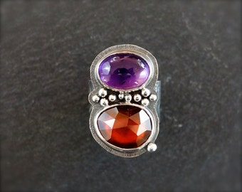 Hessonite garnet ring with amethyst. Ring with granulation. Sterling silver two stone boho chic ring Rose cut garnet ring w/ purple amethyst