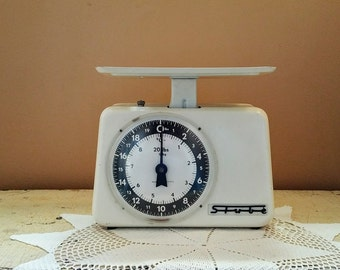 Mid Century White Stube Kitchen Scale 20 lbs 9 kg