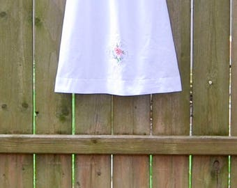 Girls Size 5 Upcycled Dress, Cotton Nightgown Girls, Embroidered Dress, Puffed Sleeves, Girls Cotton Nightgown, Vintage Cotton Pillowcase