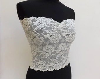 Ivory lace strapless. Stretch lace bandeau top. Floral strapless. Wireless bra. Ivory lace lingerie.
