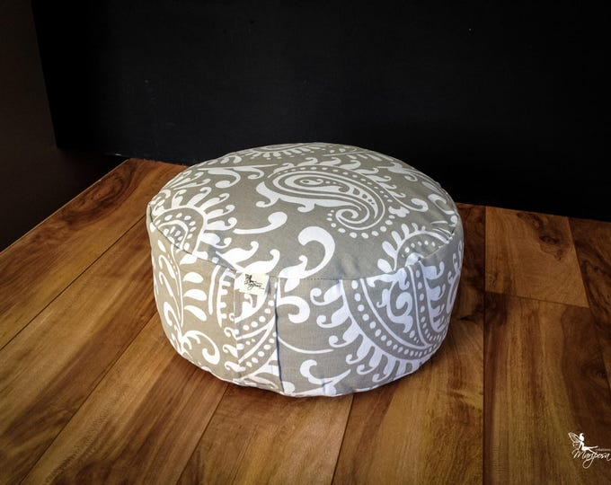 Pouf Zafu Gray Paisley Meditation cushion cotton organic Buckwheat washable floor pillow with lining handmade by Creations Mariposa