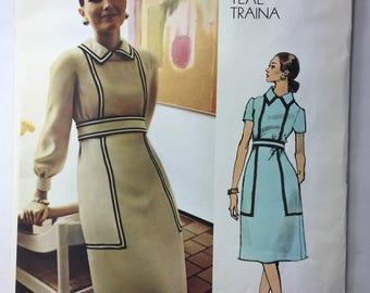 1970's Vintage Vogue 2563 Teal Traina Misses' A-Line Dress Pattern With Label Size 14, Bust 36 Uncut